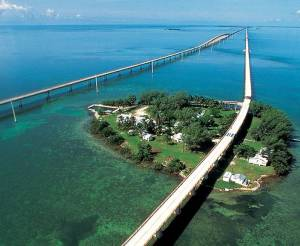 02_Seven_Mile_Bridge_in_Florida