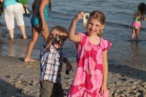 Beach_shellCollecting